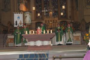 Hl. Messe im Hohen Dom